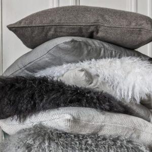 Coussin fourrure Gris et Blanc 40 X 40cm Eighmood